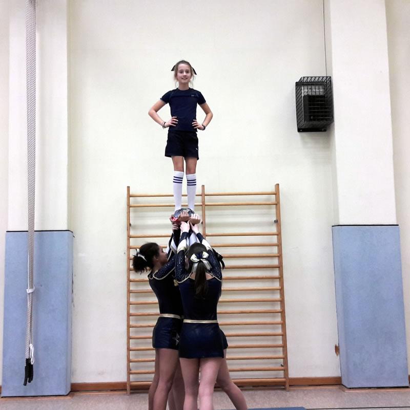 Cheerleader beim Training